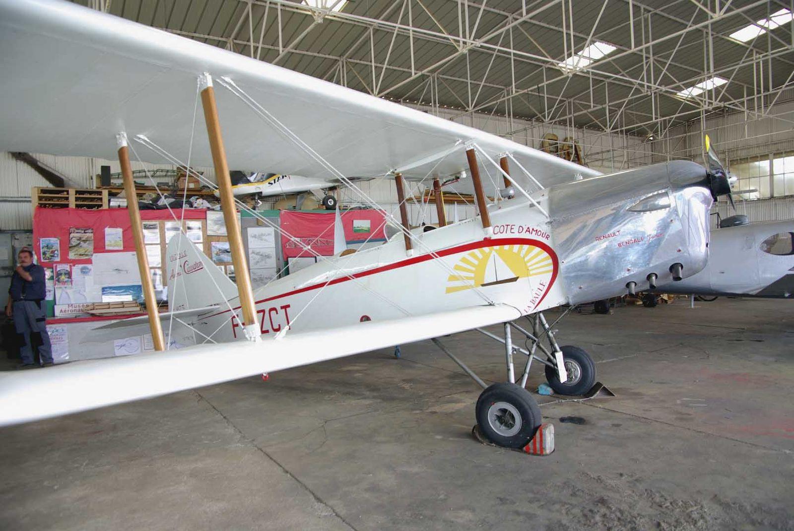 Le Caudron 275 Luciole F-AZCT