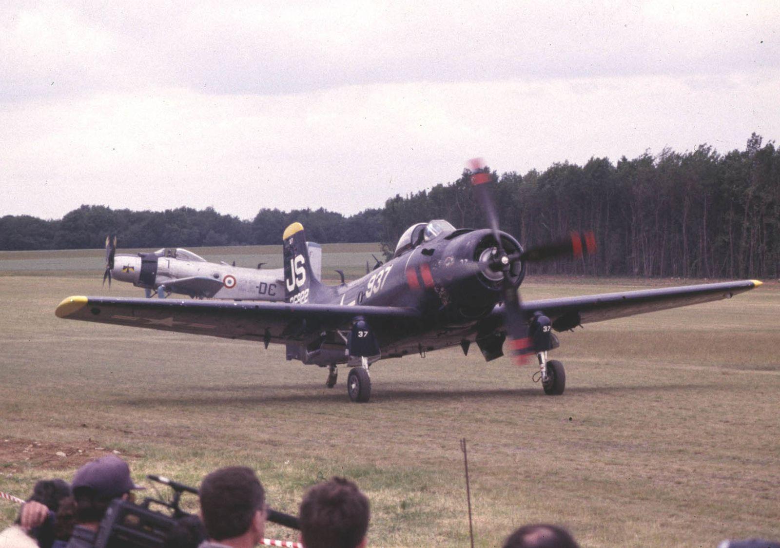 Le Douglas AD-4N Skyraider F-AZED