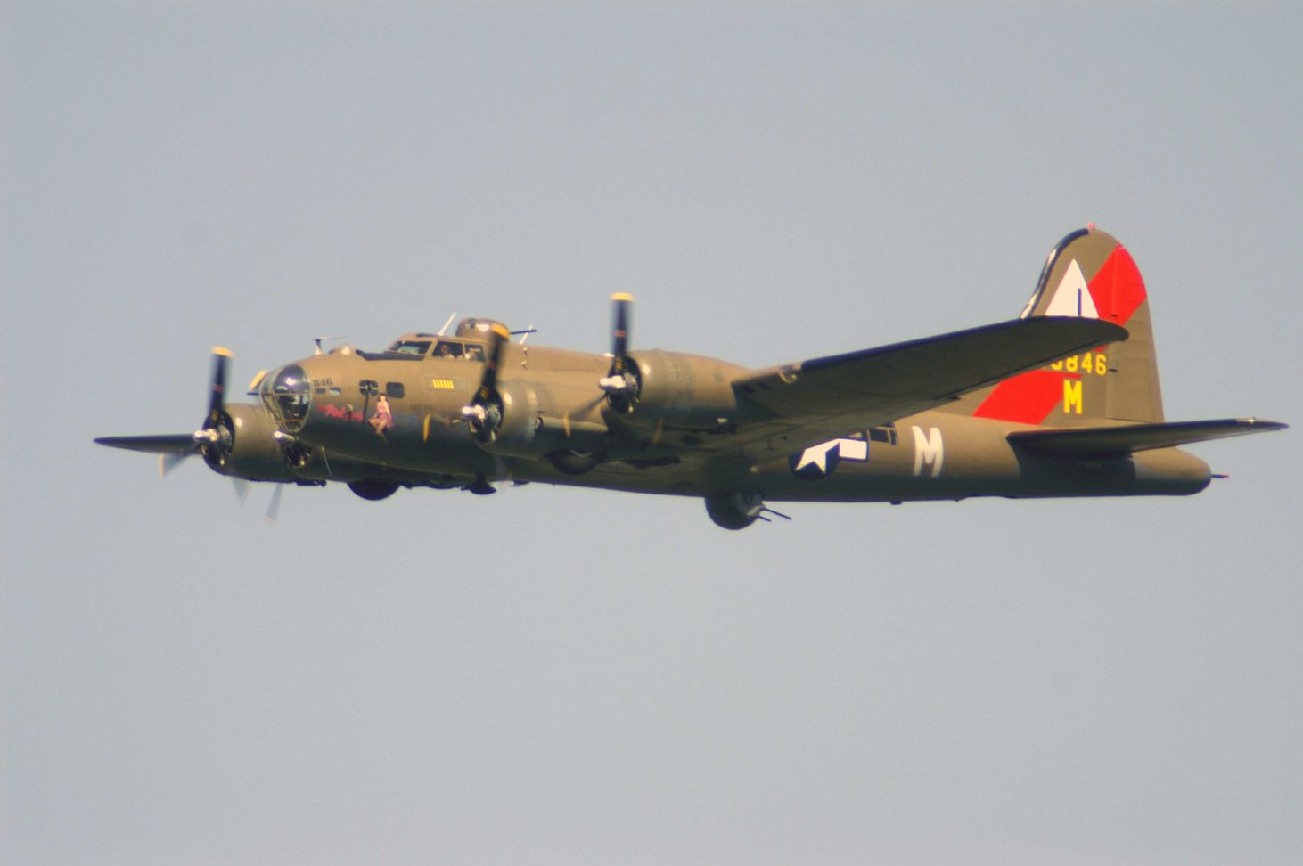 Le Boeing B-17 Flying Fortress F-AZDX