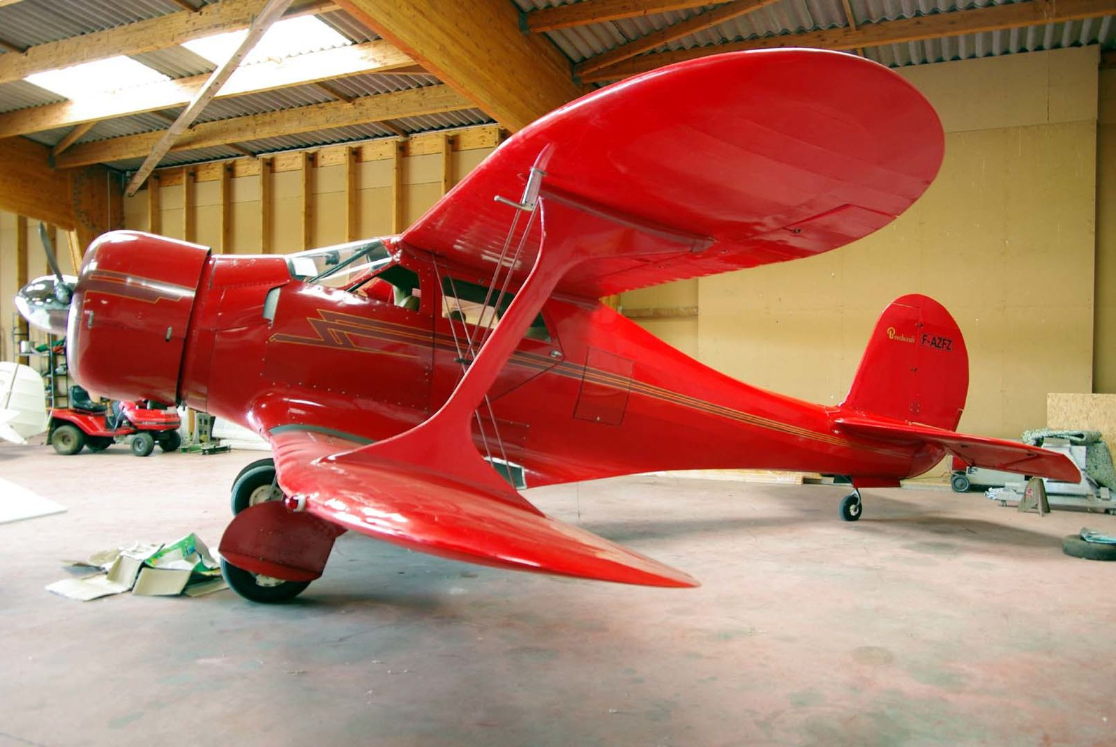 Le Beech 17 Staggerwing F-AZFZ