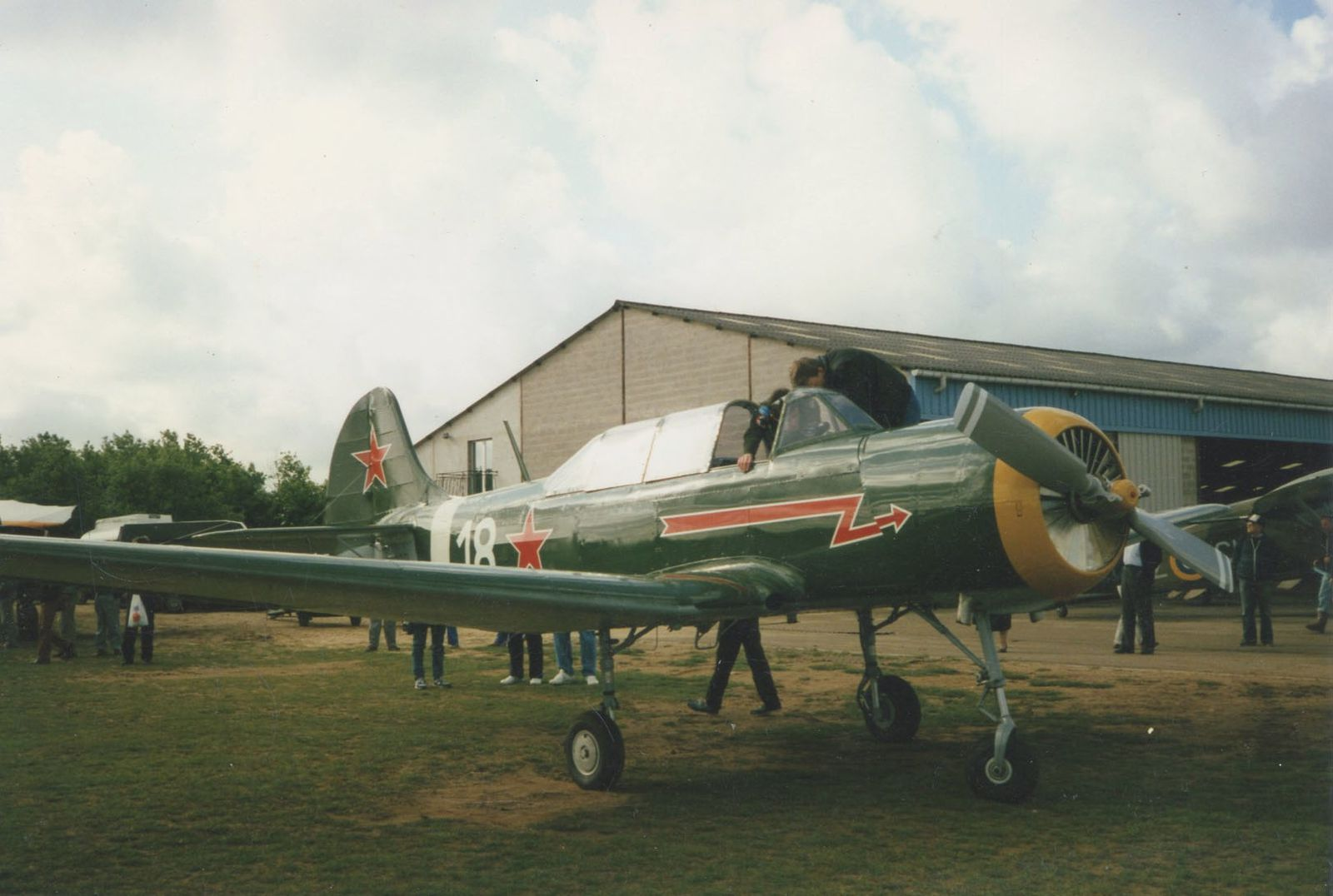 Le Yak 18 F-AZPY