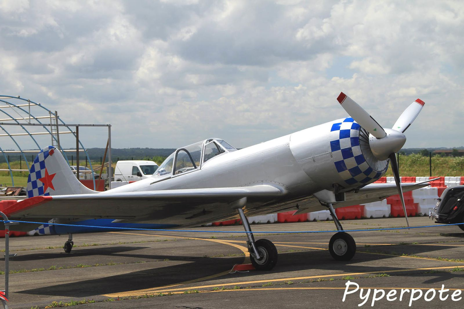 Le Yak 50 F-AZXK  (photo Pyperpote)