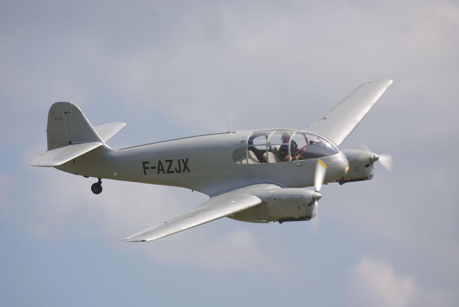 Unique en état de vol en France, l'Aéro 45 F-AZJX.