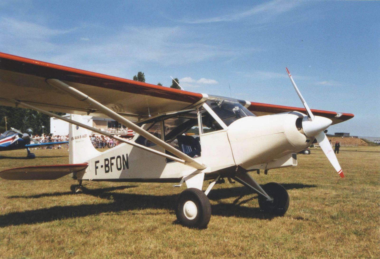 Le Boisavia 601 N°1 F-BFON basé à Blois.