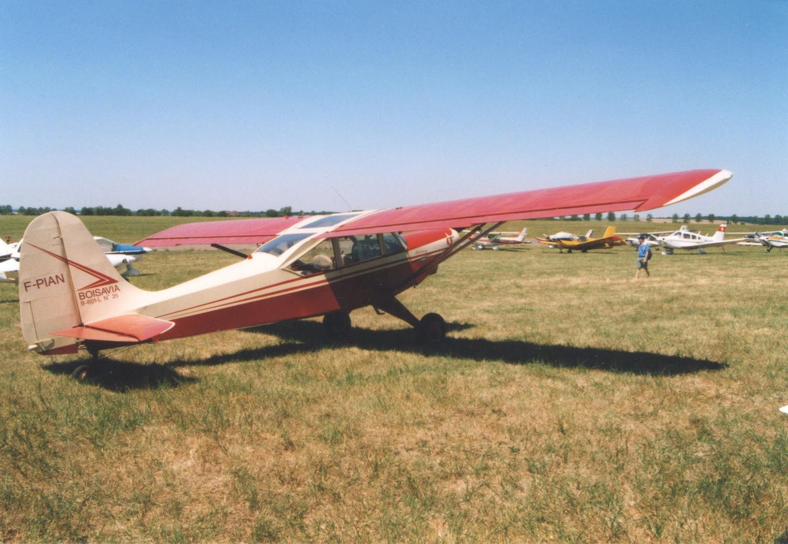 Le Boisavia N°25 F-PIAN qui pourrait être basé en Bretagne ou du coté de Nogaro ??