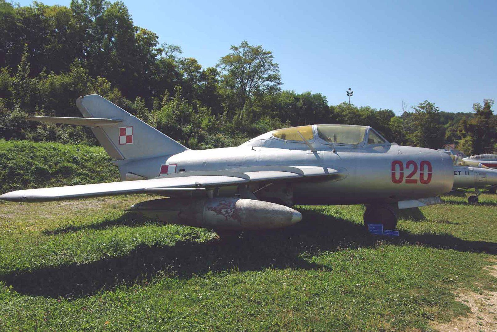 Le Mikoyan - Gourevich MiG-15UTI Midget (PZL Lim-2) 720.