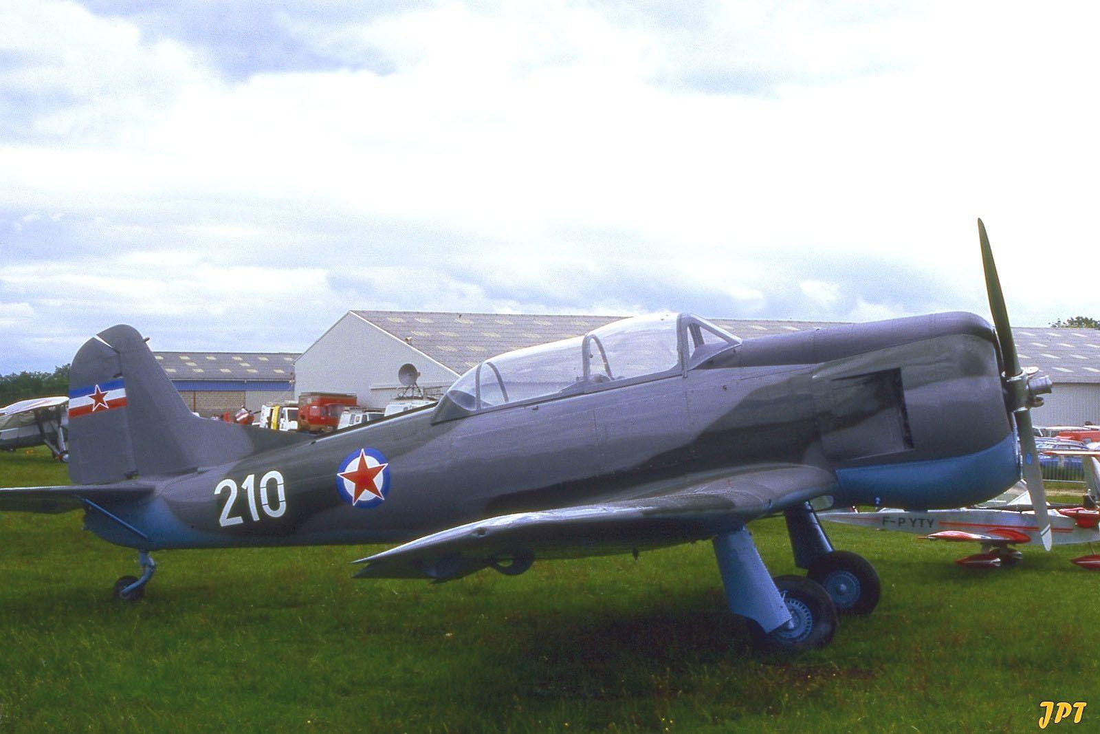 Le Soko 522 N°U-210 F-AZEQ. (photo: Jean Pierre Touzeau)