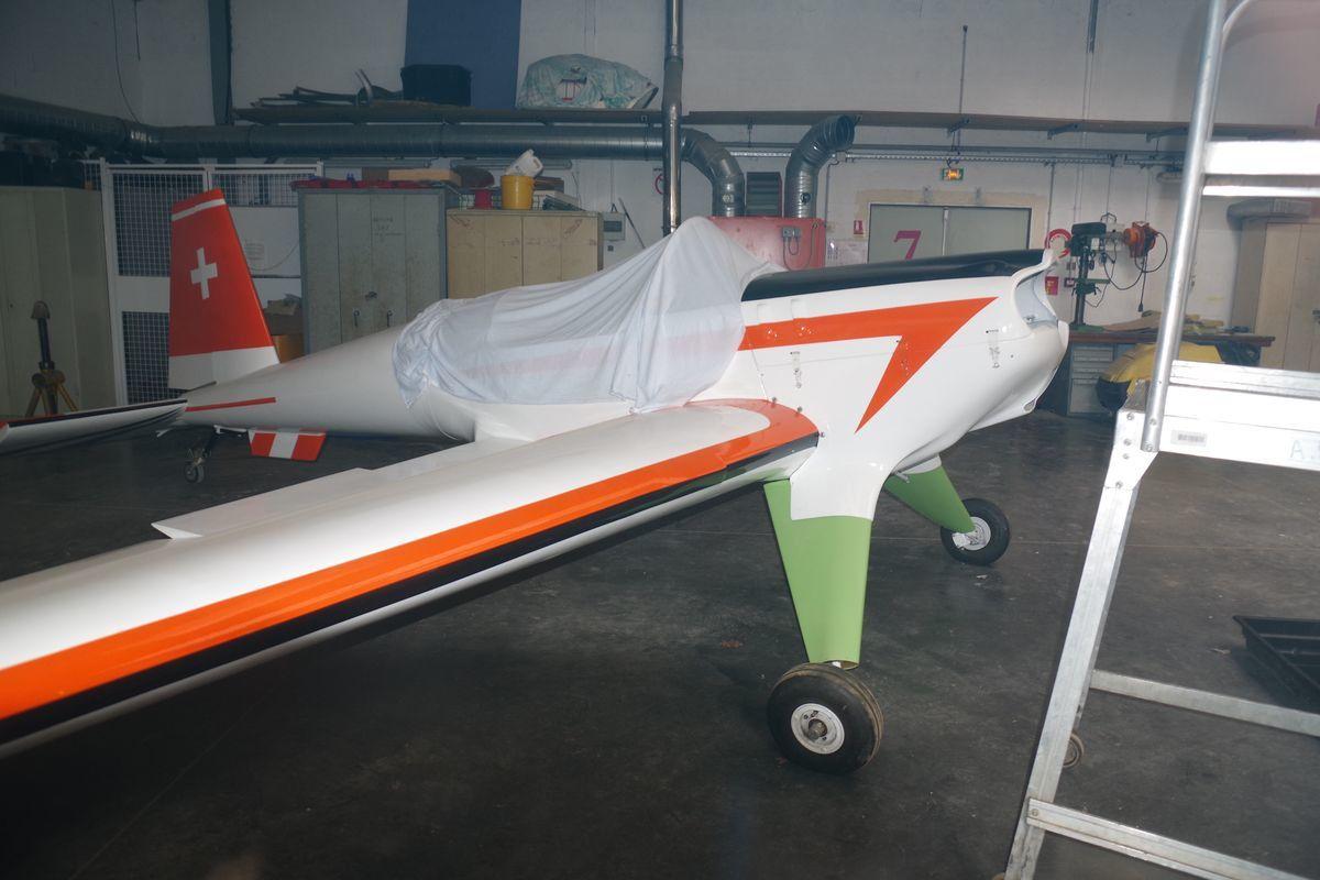 Le rare Hirth Acrostar F-AZJF en restauration.