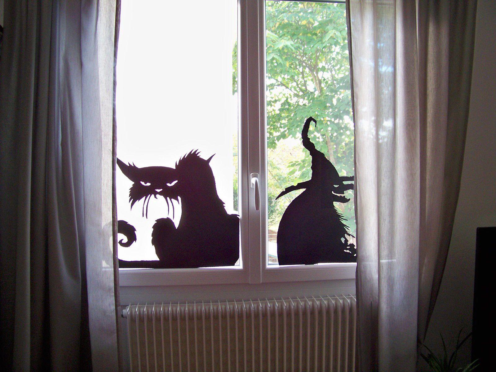 Sorcière et chat maléfique