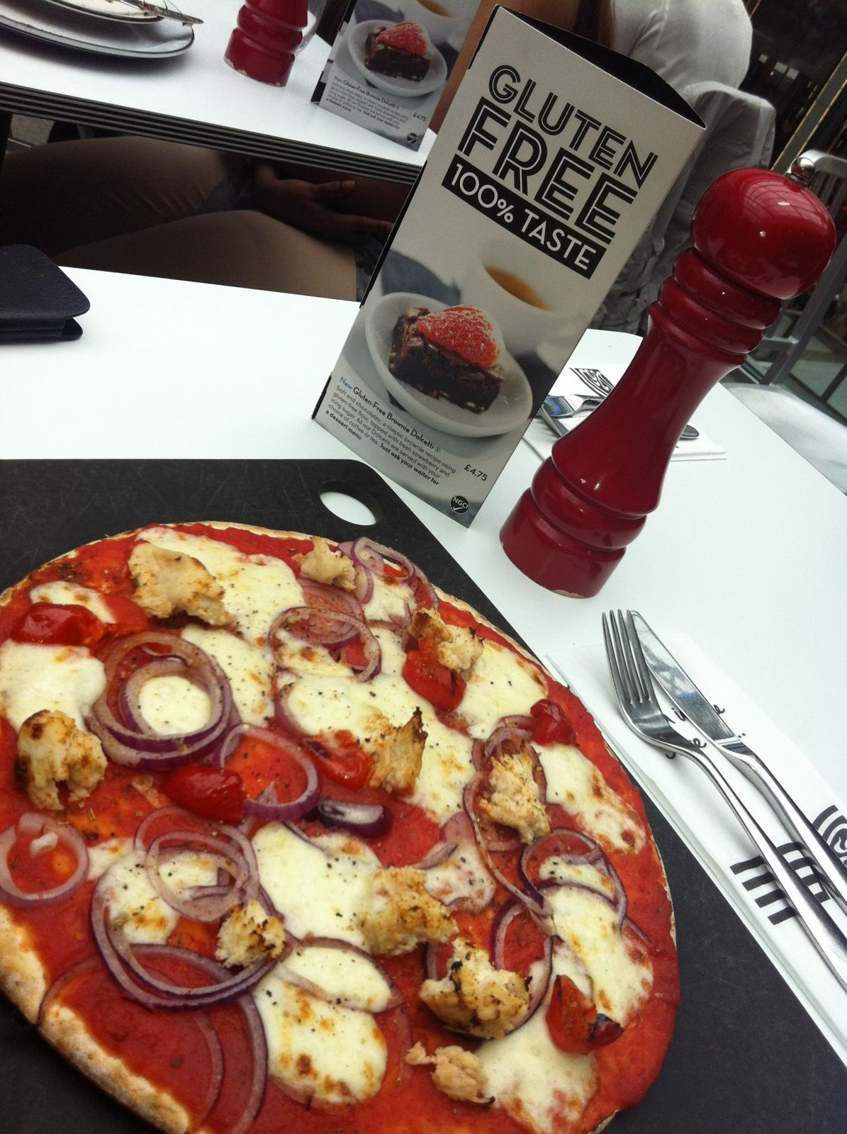 Pizza Express GF! This is the first time I'd tried the Pizza Express GF pizza and it was very good, this was at Stratford City Westfield.