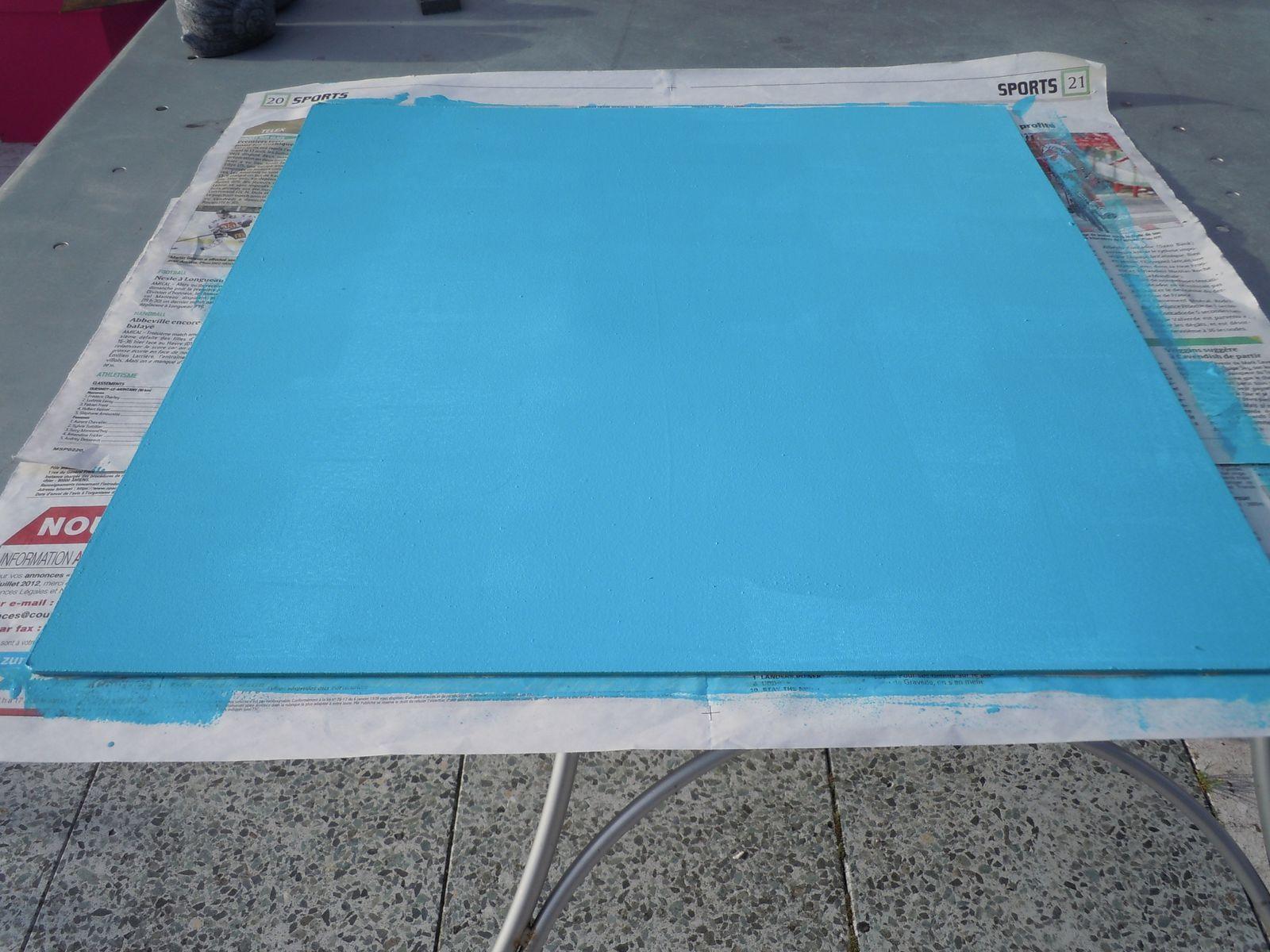 Je peins la planche en turquoise