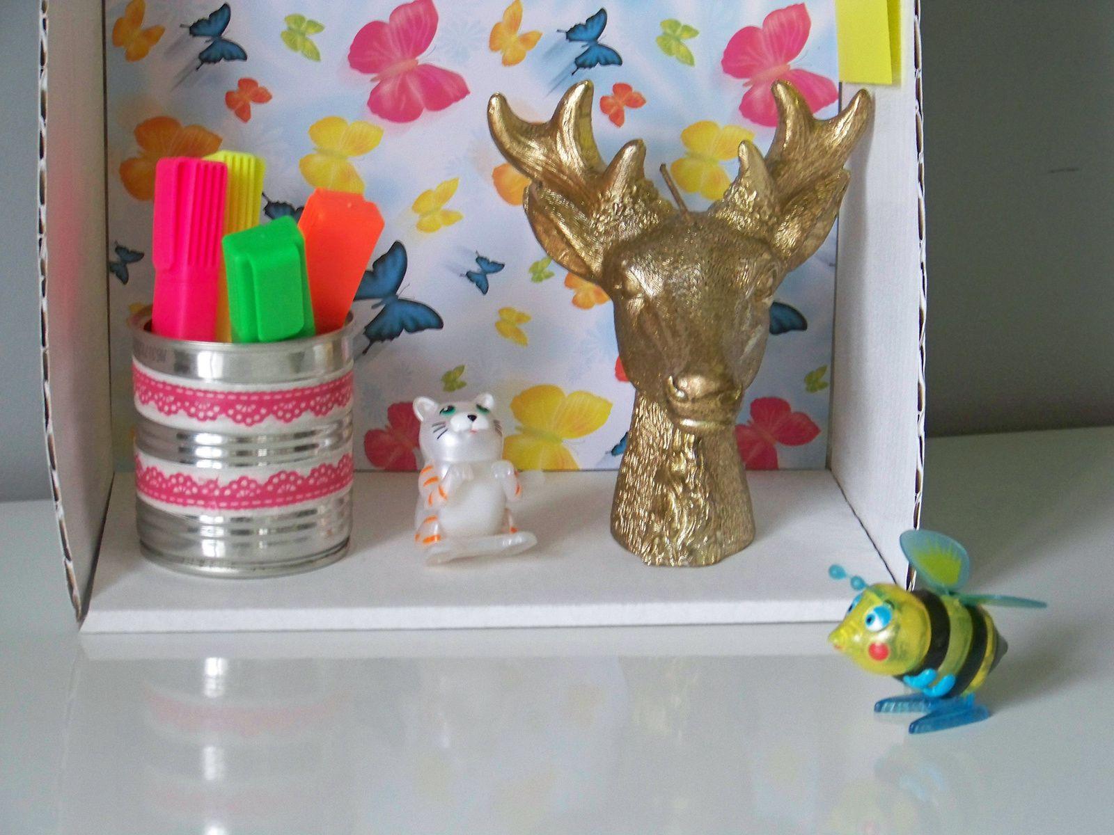 Idée récup pour les enfants :l' étagère déco !