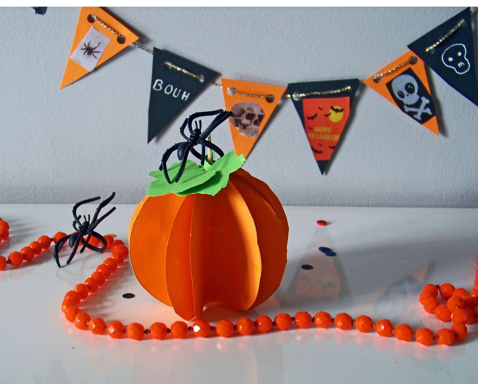 Diy d 39 halloween citrouille en 3 d et fanions - Citrouille halloween en papier ...
