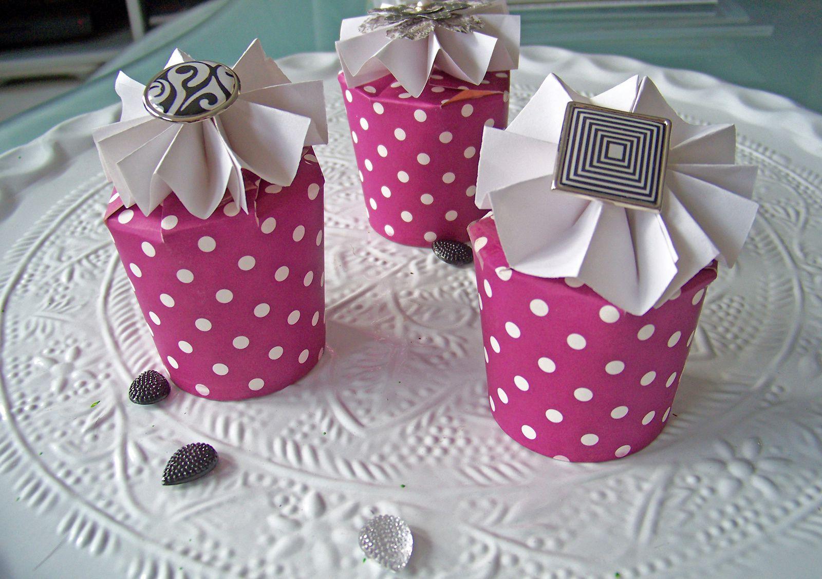 DIY :Recycler ses gobelets en carton en boîtes cadeaux