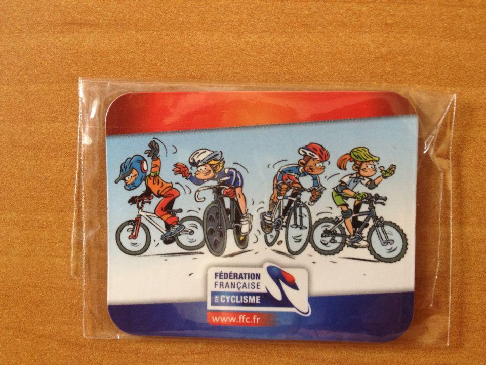 A échanger theme cyclisme : cp, magnet, autocollant