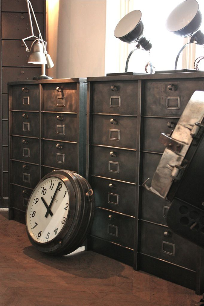 meuble industriel vendu. Black Bedroom Furniture Sets. Home Design Ideas