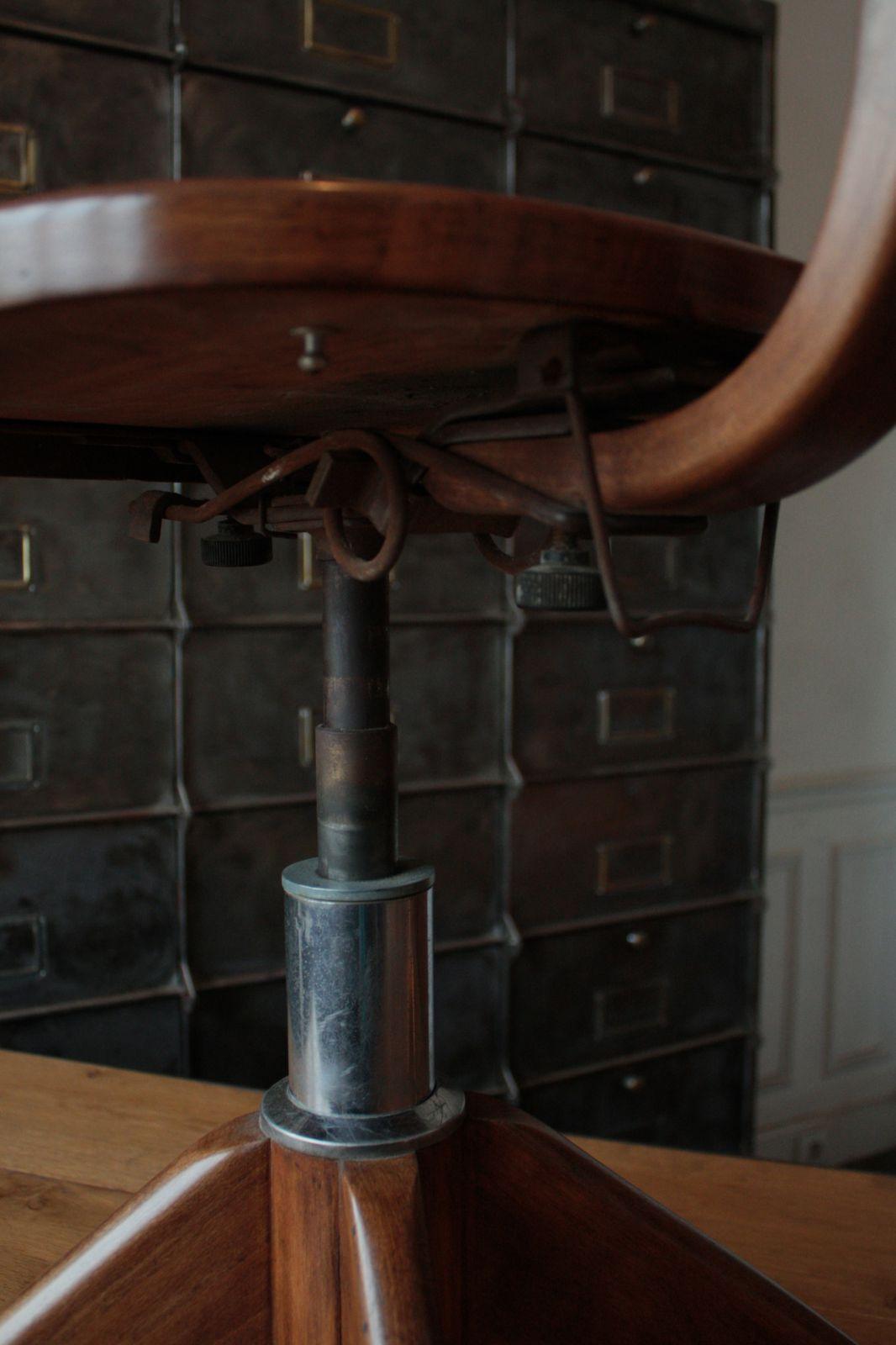 chaise d'atelier (vendu)