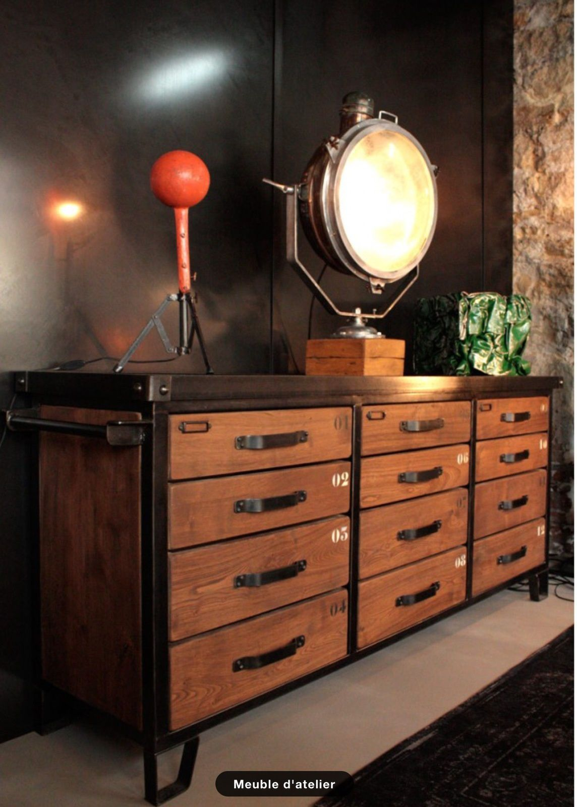 meuble industriel. Black Bedroom Furniture Sets. Home Design Ideas