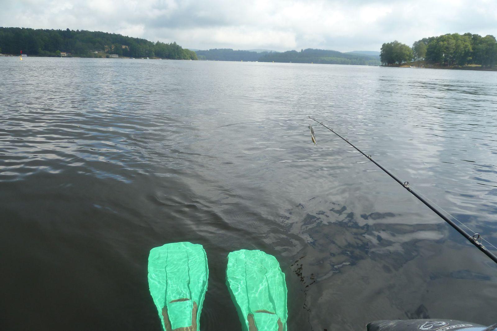 Pêche en float tube à Vassivière