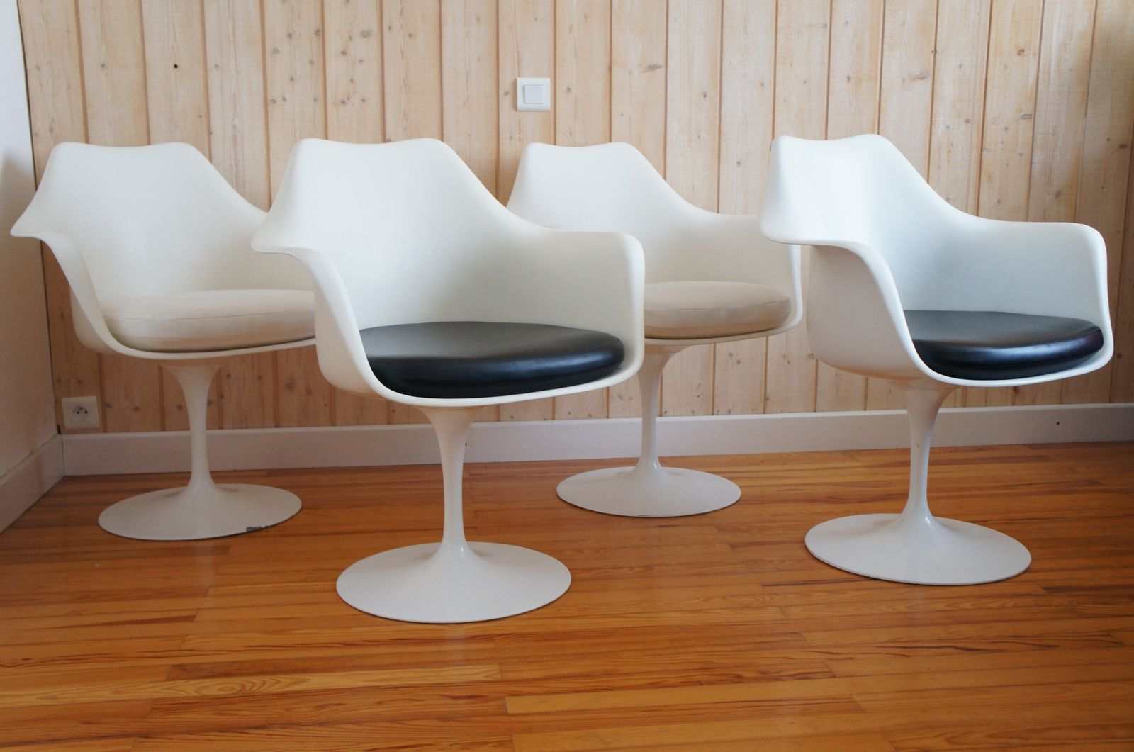 Fauteuils tulipes eero saarinen knoll international design for Architecture annees 60