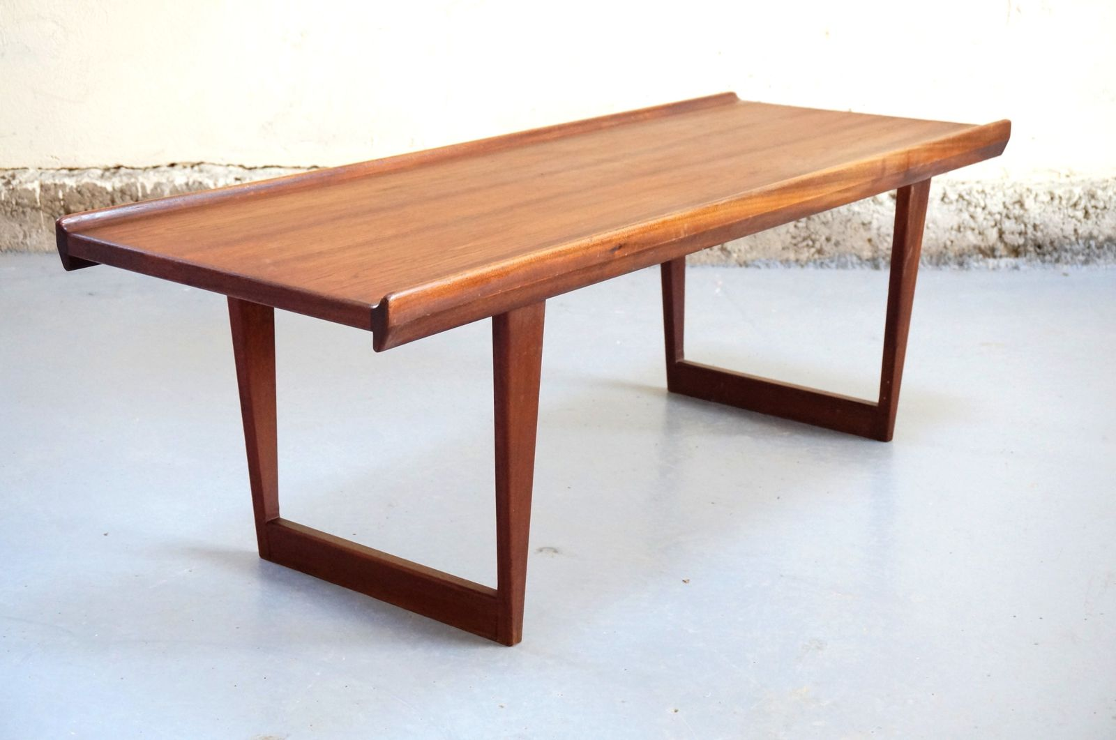 Vendu table basse scandinave de salon ann es 50 60 teck vintage danois dani - Table de salon style scandinave ...