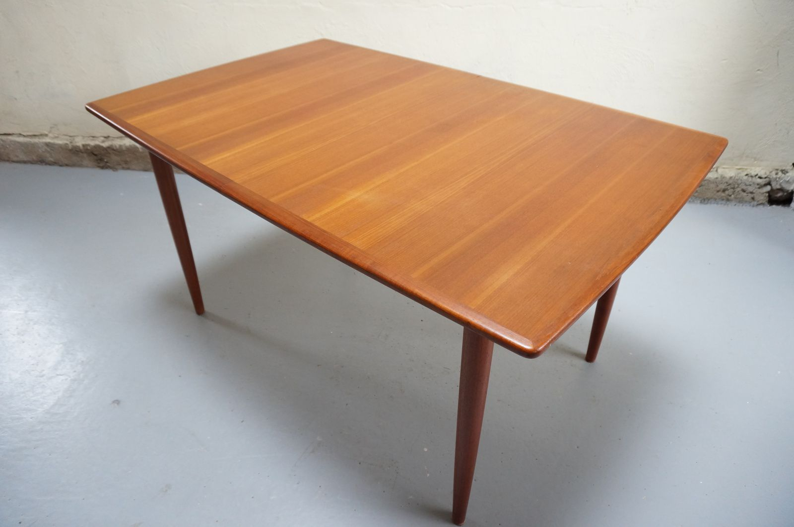 Vendue table manger scandinave teck design danois for Table cuisine annee 60