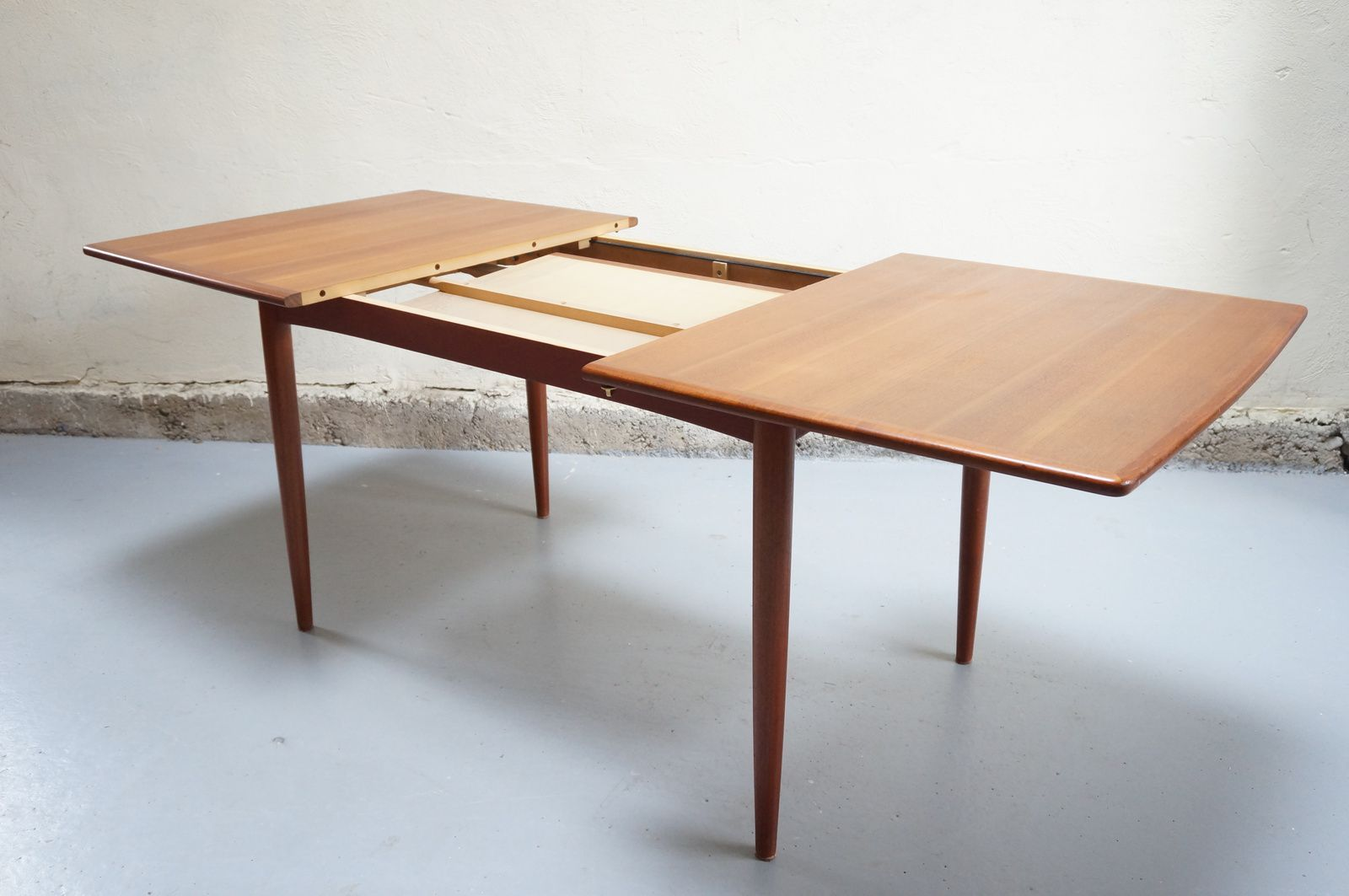 Vendue table manger scandinave teck design danois for Table scandinave a rallonge