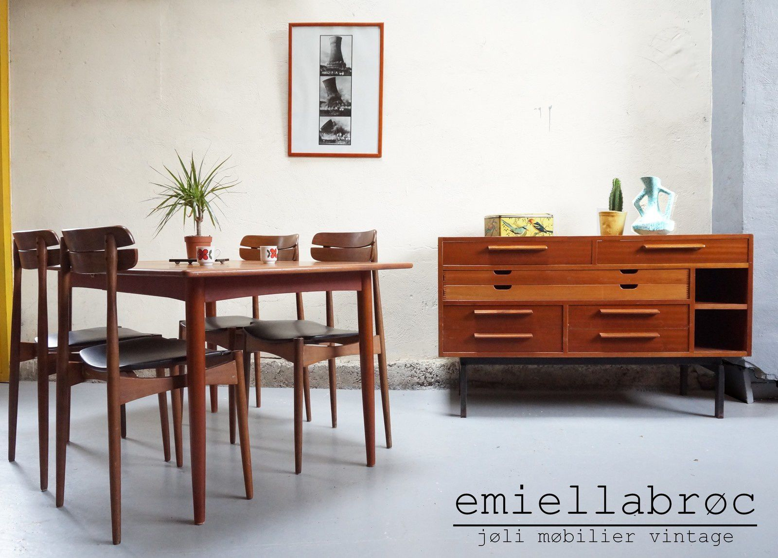 ambiance 5 emiellabroc vintage vente de mobilier vintage design scandinave ann es 50 60 70. Black Bedroom Furniture Sets. Home Design Ideas