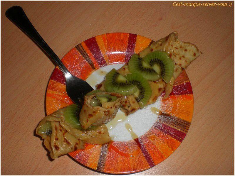Crêpe kiwi, miel, flocons d'avoine