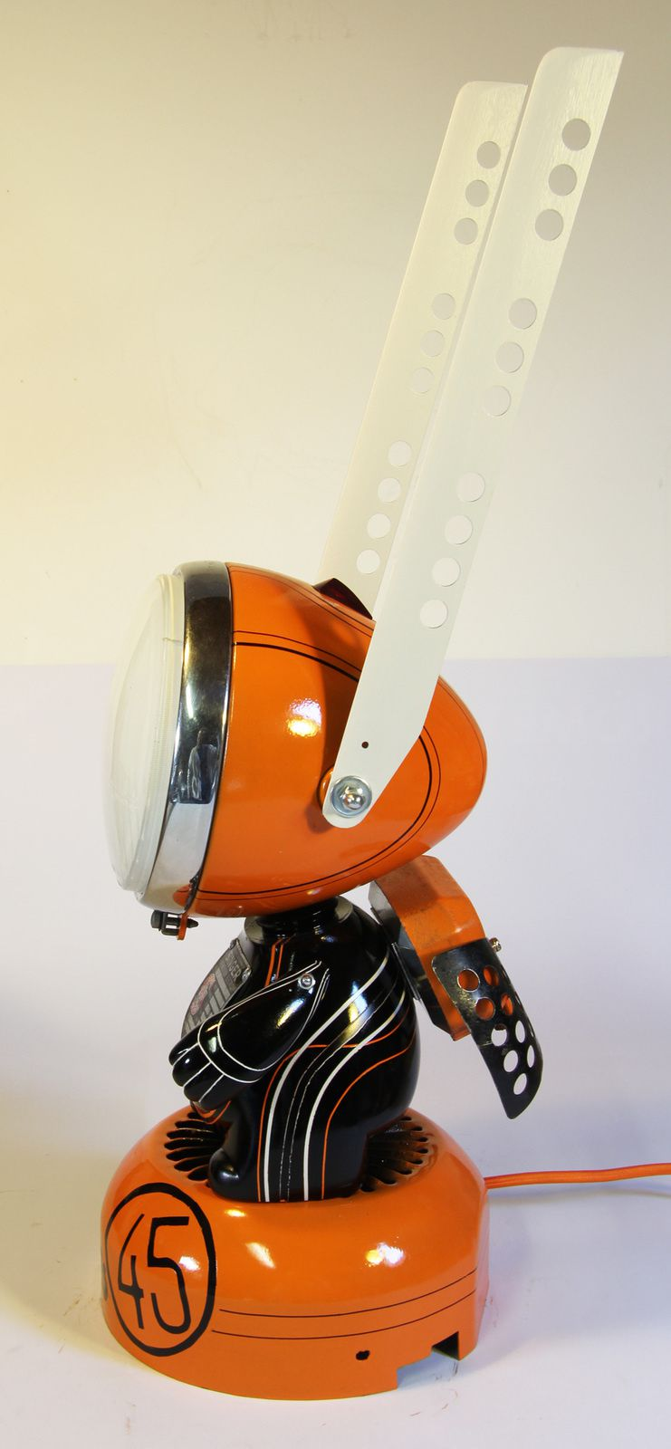 Lamps toyz n 45 singer lampstoyz by mister orange for Machine a coudre unic
