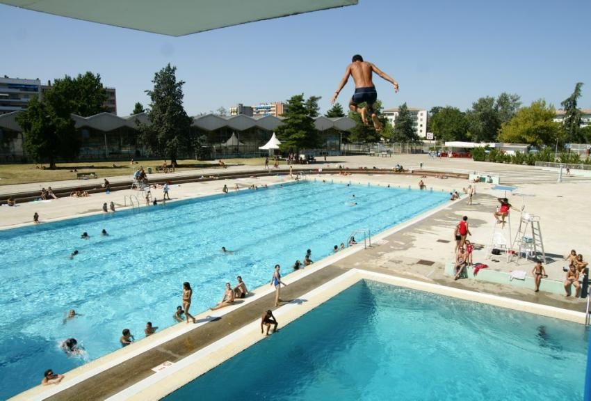 Montauban vert marine remporte le march de la piscine for Montauban piscine