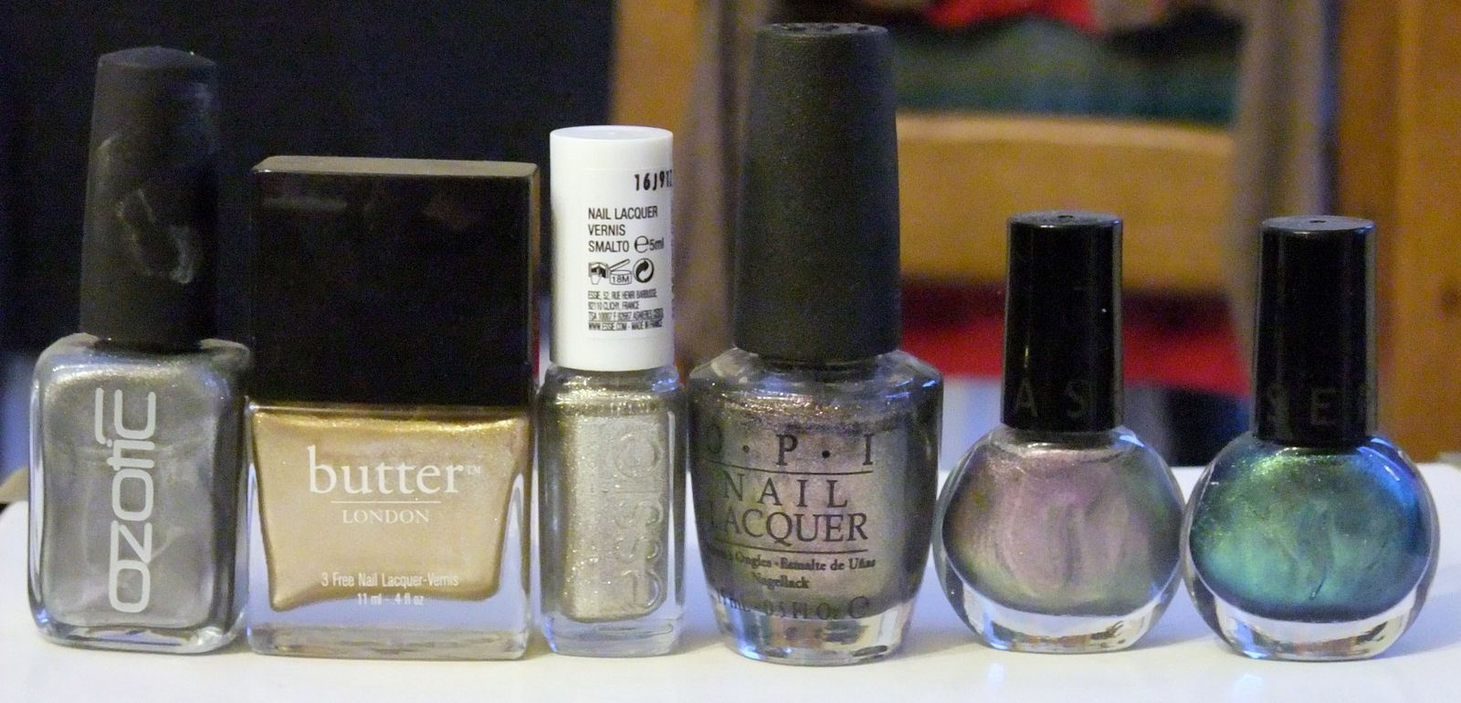 Ozotic 761, Butter London The full monty, Essie Beyond Cosie, OPI The World is not enough, Séphora 69 et 67