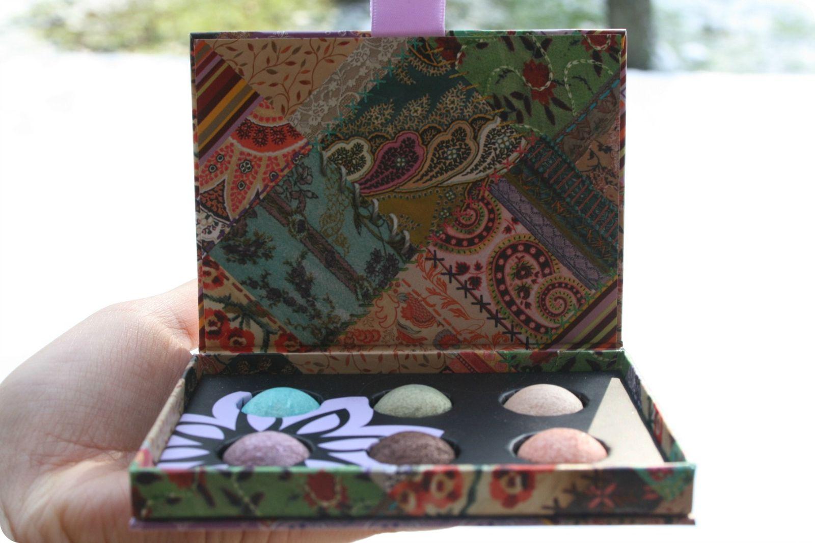 Revue sur la palette La bohème spring 2012 de MUFE et la baguette de pinceaux Sephora