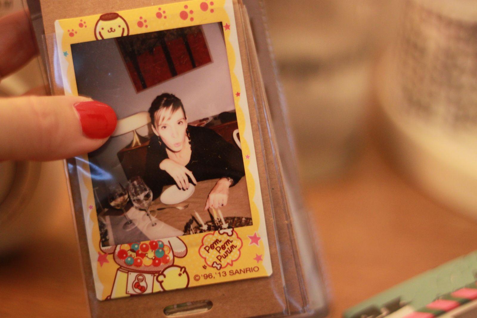 Le grand album a une pochette à la fin pour les cliches moyens ou ratés... &#x3B; )) Films funs dans l'album petit format