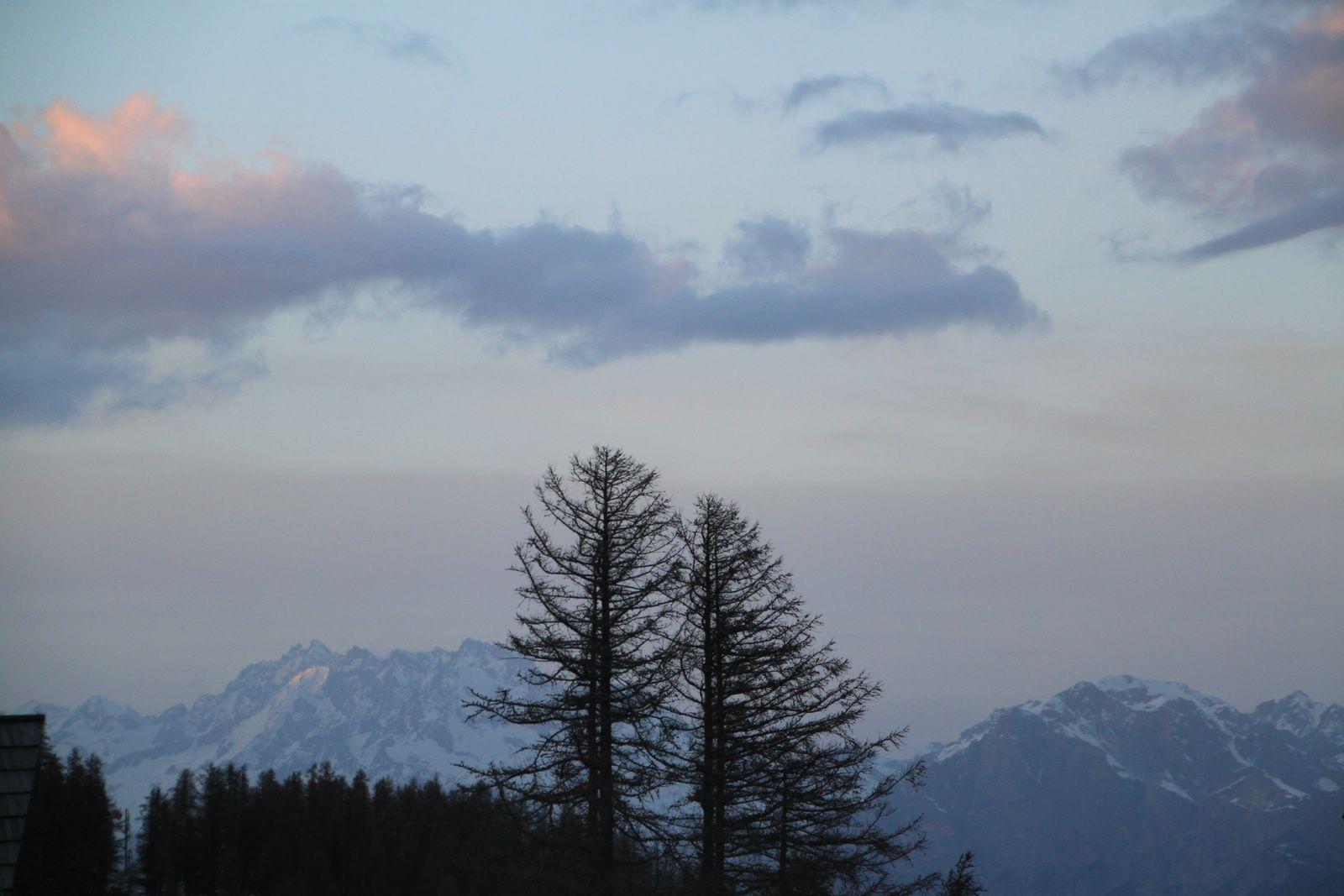 Un petit châlet dans la montagne #2