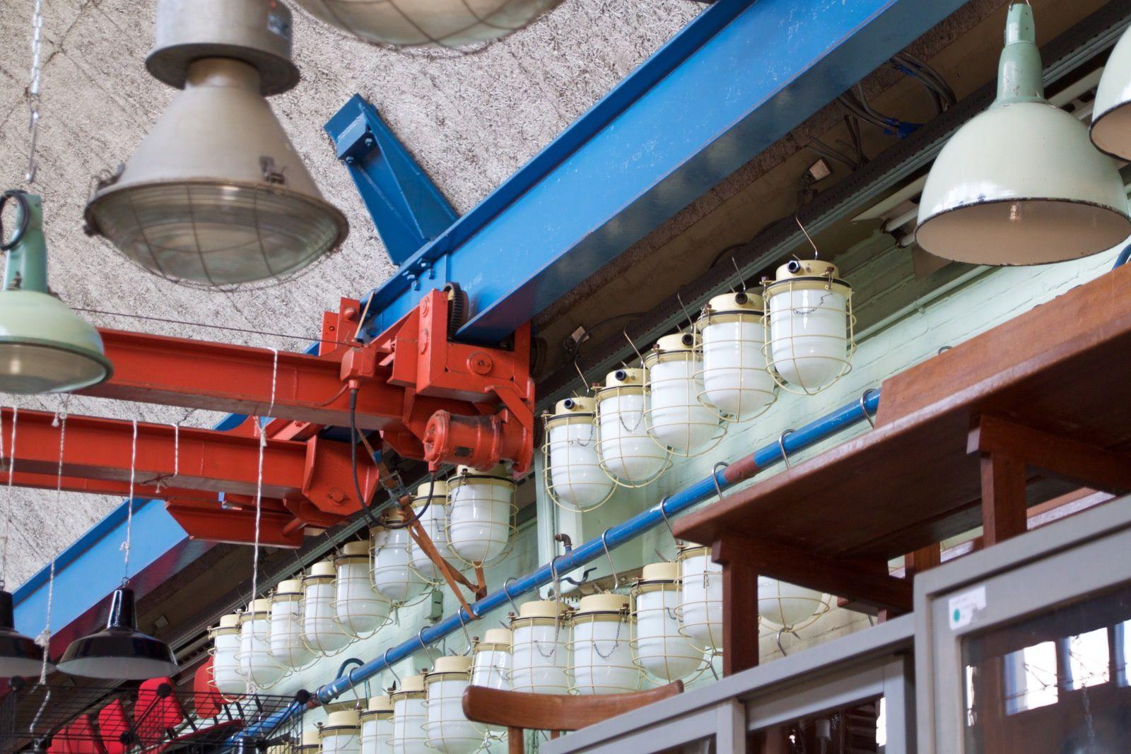 Boutique Vintage Neef Louis, ça et le café de produits bio à l'intérieur