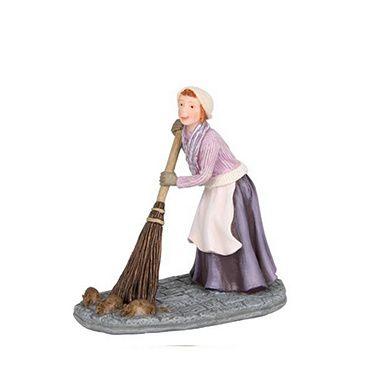 601522 Stephanie Felbach cleaning street