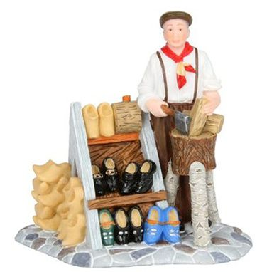 601580 Making wooden shoes
