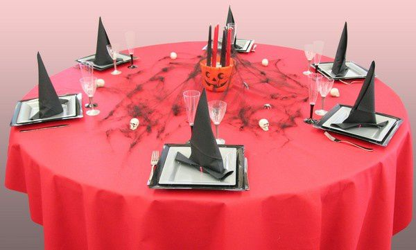 Quelques photos d 39 une table halloween les relais de la f te angers - Pliage serviette halloween ...