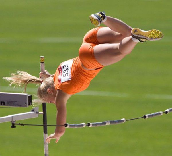 Pole vaulting athlet is sexy