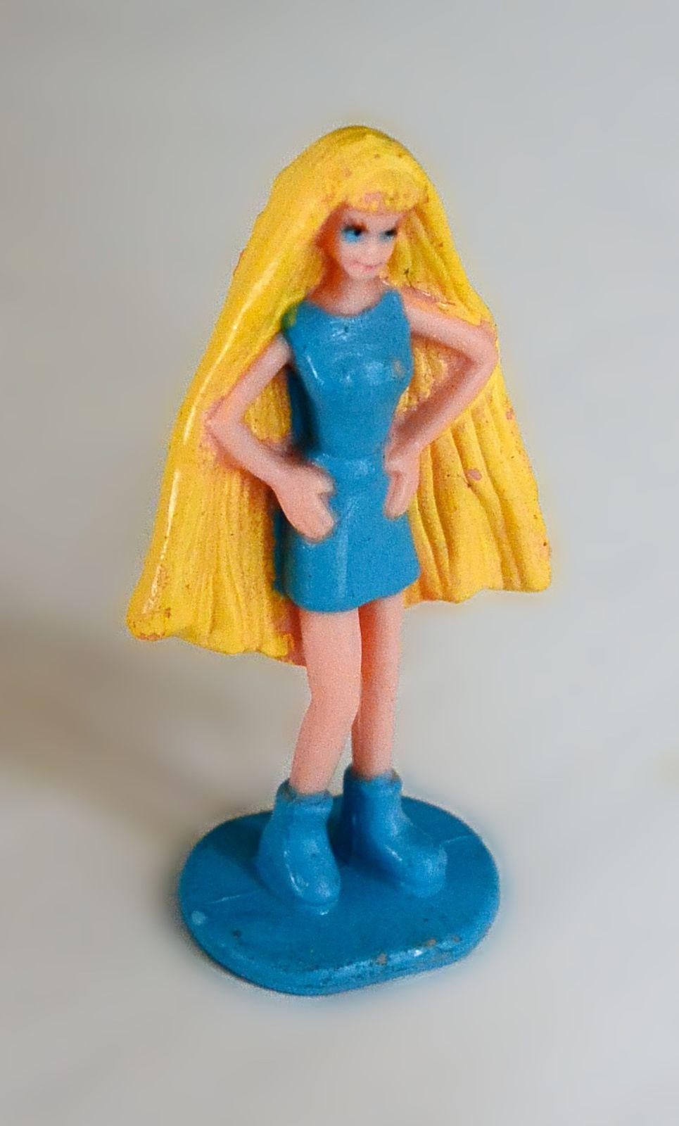 Mini figurine Barbie Mattel© 1998 blonde long cheveux robe bleue