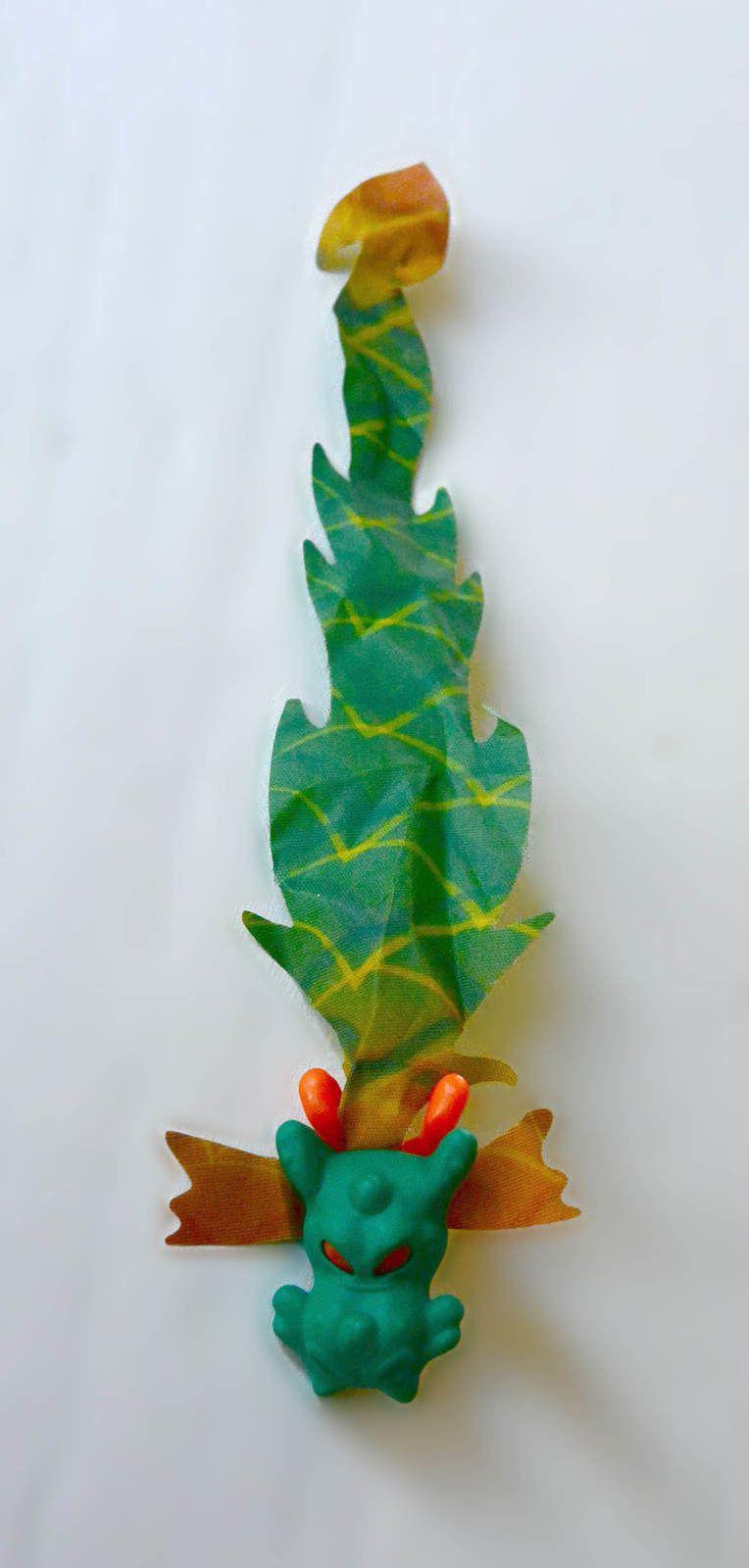 Jeu de lancer Kinder© FF081 dragon vert + notice BPZ