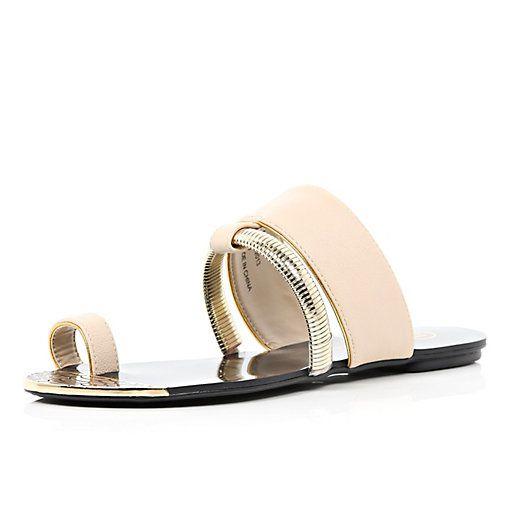 Des sandales plates pour 2014 #Shop