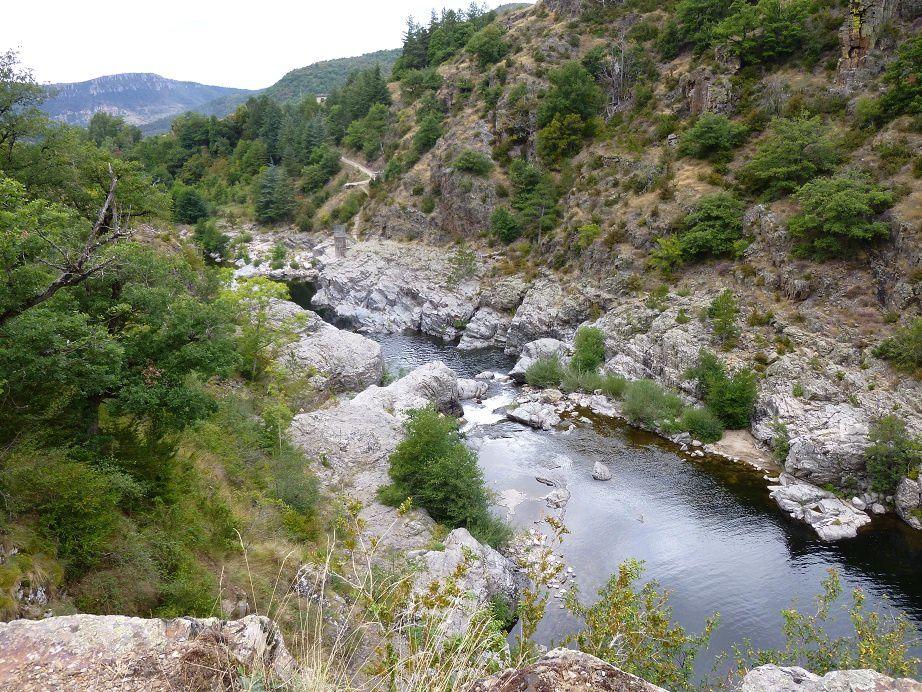 La haute vallée du Tarn avant Bédouès.
