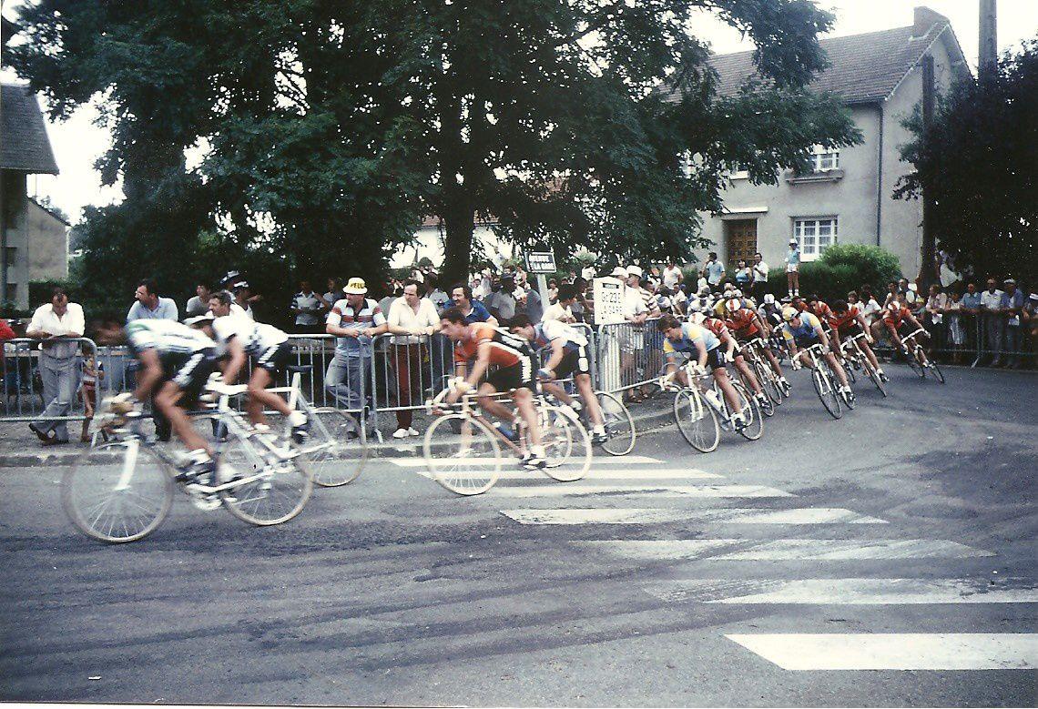1983 : Critérium international open des Herbiers : On aperçoit 5 vendéens, Moreau (Coop), Vincendeau (Wolber), Lermite (amateur Atlantique-Anjou), Lièvre (amateur Atlantique-Anjou) et Bernaudeau (Wolber).