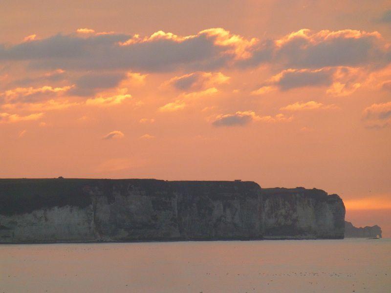 du nord au sud de la côte d'Albâtre, au bord de la Manche