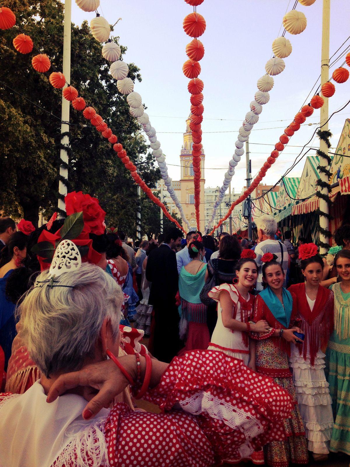Gracias Sevilla por su acogida,por mantener feliz y alegre su pueblo aunque nada fácil en esos tiempos, gracias por llenar el mes de abril de colores, las almas de sonrisas y nuestros corazones de sentimientos. #estamosdepie #vida