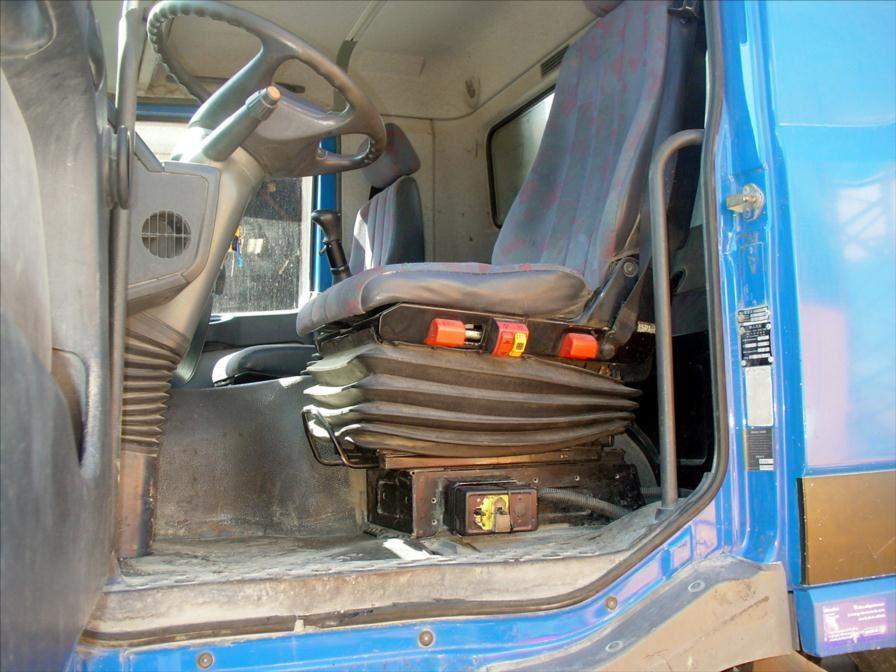 Camion Mercedes 6x4 3331 Bi Benne