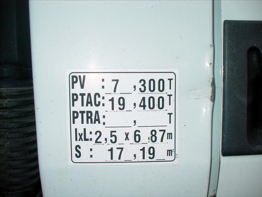 Camion Petrolier Premium 270 DCi