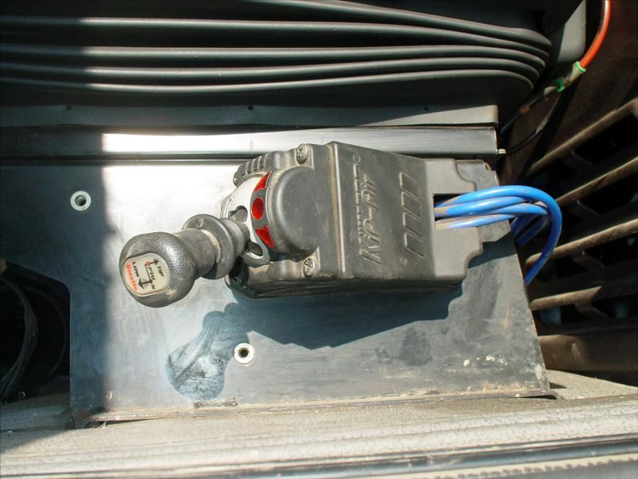 Camion TRR Magnum MACK 480 6x4